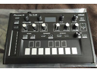 FOR SALE/PIONEER TORAIZ AS 1/ANALOG SYNTH.AS NEW CONDITION,HARDLY YSED.