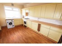 DSS WELCOME WITH A GUARANTOR - 3 BEDROOM SPLIT LEVEL FLAT AVAILABLE IN OAKWOOD, N14