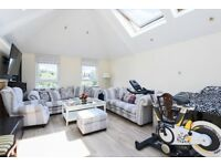 A stunning 3 bed, 3 bath house to rent in central Wimbledon. Worple Road SW19