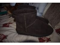 Genuine Male UGG Boots, Classic Short Chocolate Size 7.5 UK