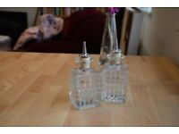 2 Piece oil and vinegar set clear glass cork lid dressing