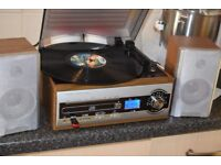 DIGITAL CD/USB/3 SPEED RECORD PLAYER/RADIO CAN BE SEEN WORKING