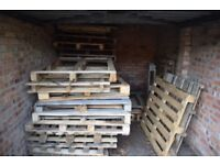 30 WOODEN PALLETS FREE. BONFIRE NIGHT OR COMMERCIAL USE