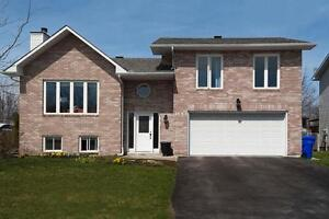 FOR AUGUST - VERY NICE HOUSE IN AYLMER
