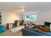 SPACIOUS 2 BED 2 BATHROOM FLAT IN THE HEART OF CROUCH END !!!
