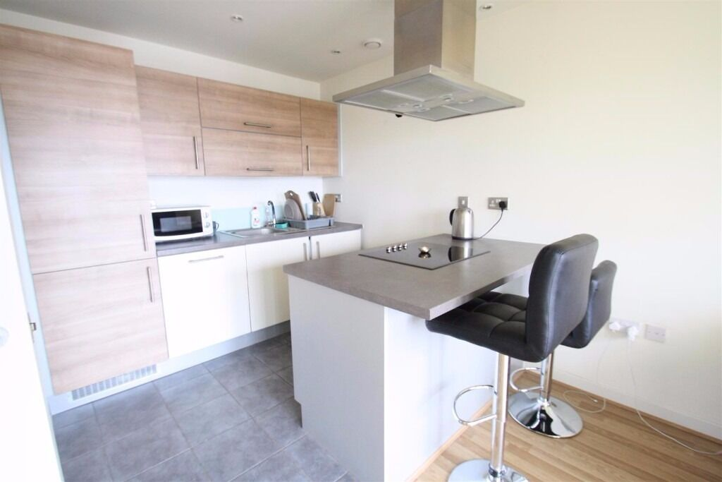 A ONE BED LUX FLAT IN SOUGHT AFTER SO BOW DEVELOPMENT.BALCONY WITH VIEWS OF GARDENS.MODERN INTERIOR