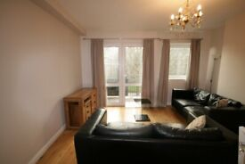 Spacious 2 Bedroom Apartment in Elephant and Castle - Must See!