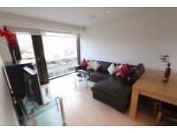 Spacious 1B with under floor heating , residents gym, available in Roman House, Wood Street, RH1B