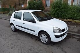 White Renault Clio Authentique 8v, 5 Door