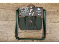 Esschert Foldable Metal Textile Garden Stool Green Detachable Tool Bag Handy.