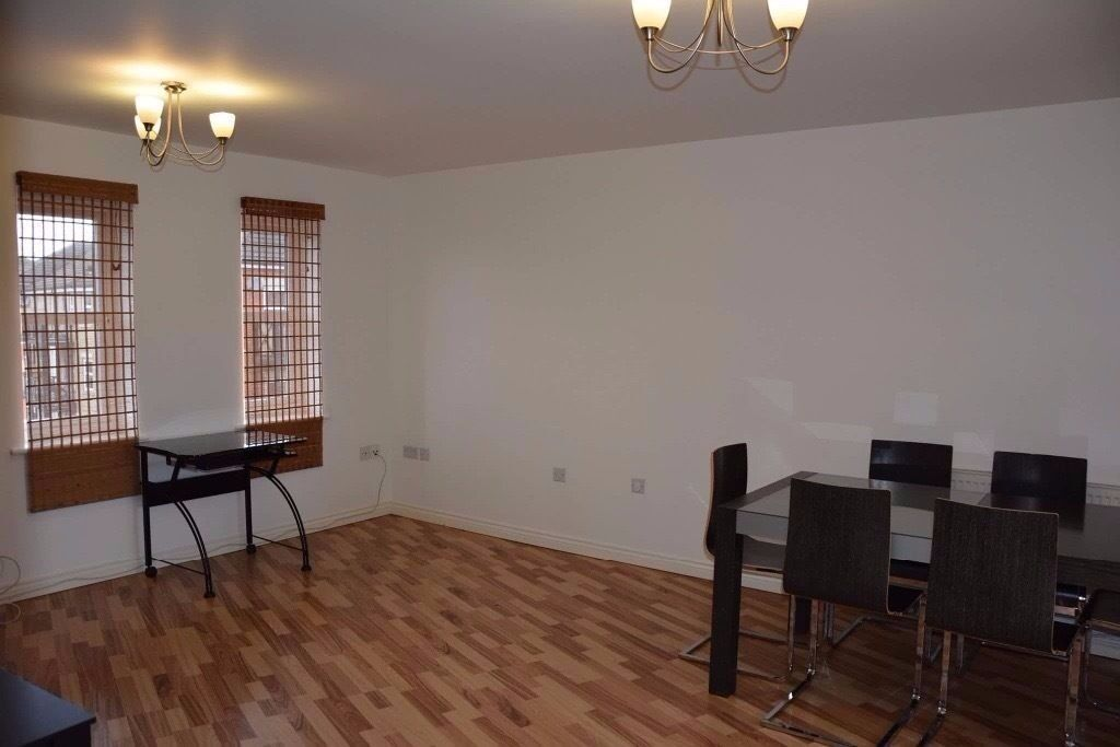 TWO BED FLAT TO LET IN CHADWELL HEATH/GOODMAYES
