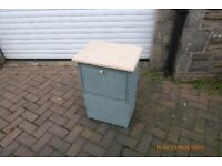 lloyd loom laundry basket in good condition