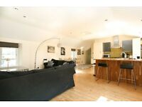 REf 482 - Beautifully appointed and very spacious 2 bed mews property available on Wemyss Place Mews