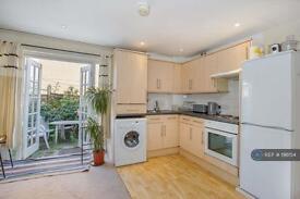 3 bedroom flat in Eagle Wharf Road, London, N1 (3 bed)