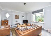 Spacious three bedroom maisonette to rent on Foxgrove Road- located close to Beckenham Junction