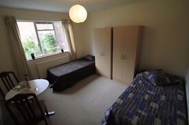 TWIN ROOM FOR DOUBLE OR SINLGE USE AT TUFNELL PARK (ZONE 2)