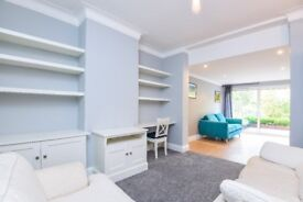 **Beautiful Five bedroom detached family home for rent in N12*