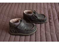 Clarks toddler leather shoes - size 3G