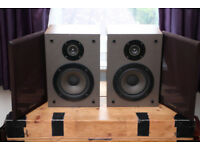 1980s Wharfedale DENTON bookshelf monitors/speakers 6ohm 40Watt/each 25x36x21cm