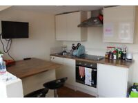 **NO AGENCY FEES** Nice 1 bedroom flat available to rent within walking distance to the town centre