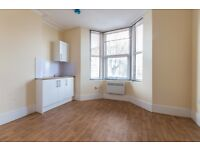 Brand new studio flat in East Croydon/Park Hill. ALL BILLS INCLUDED except electricity. FURNISHED.