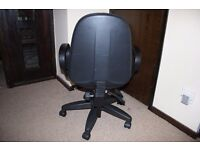 PROFESSIONAL BLACK FABRIC OFFICE/DESK CHAIRS USED IN VERY GOOD CONDITIONS