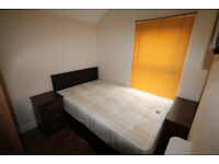 Superbly presented double en-suite bedroom for single occupancy.