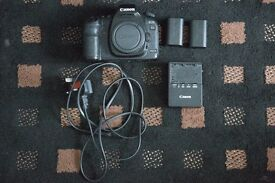 Canon 5D mark 2, in excellent condition with two batteries and a charger