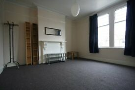 £1386pm£320pw CROUCH END STROUD GREEN LOVELY 2 bedroom first floor flat Off Crouch Hill