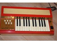 WINFIELD AUDITION KEYBOARD/ORGAN SPEAKERS BUILD IN/POWER CABLE CAN BE SEEN WORKING