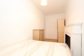 Lovely room in Canary wharf !