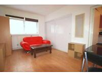1 bedroom flat in Pentonville Road, King`s Cross St. Pancras, WC1X