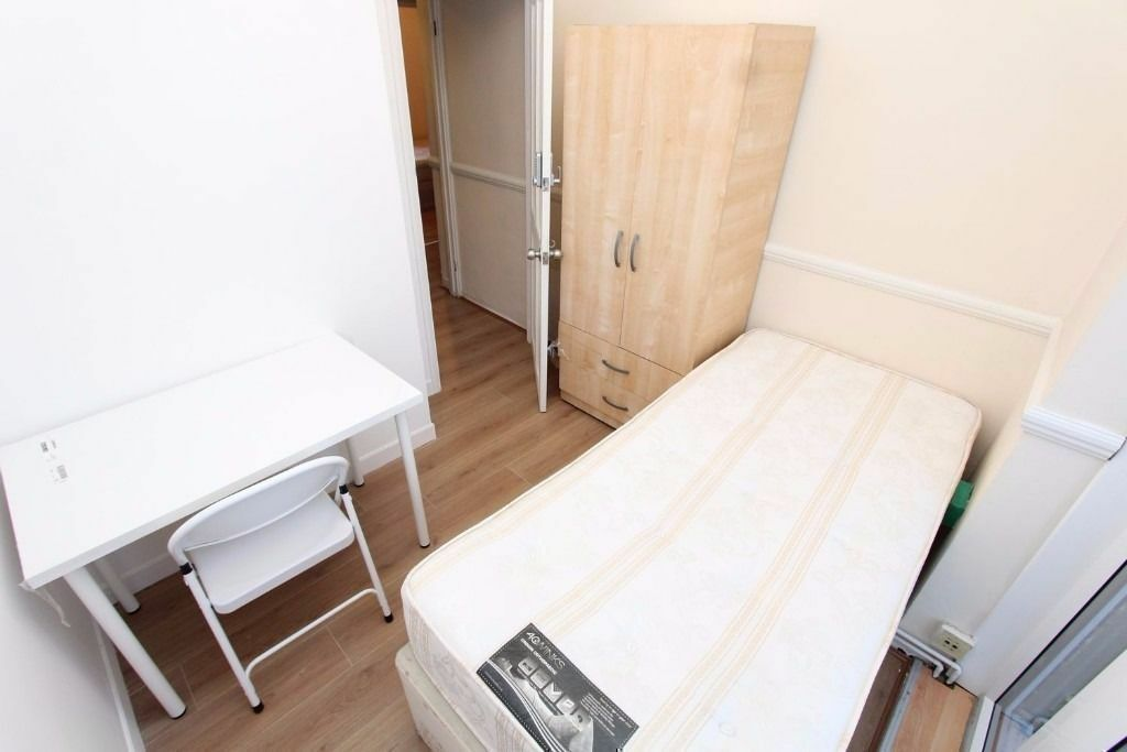 COSY MODERN ROOM IN ZONE 1 BRICKLANE/SHOREDITCH 145 PW BILLS INCLUDED