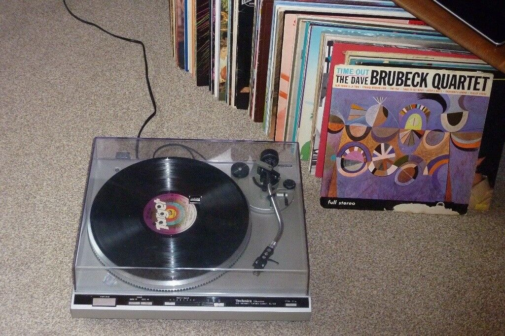 Technics turntable and over 90 Records