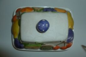 PRETTY CHINA BUTTER DISH IN VERY GOOD CONDITION