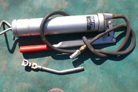 GREASE GUN with attachments