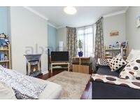 This attractive 1 bed flat featuring a private garden in West Hampstead - Call Ben 07947108158