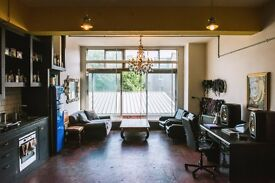 Artists studio/creative workspace/creative office/workshop w/ private kitchen & shower in Hackney.