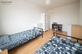 SPACIOUS MONDER TWIN ROOM FOR COUPLES OR FRIENDS* WHITECHAPEL* MOVE NOW OR SOON* TEXT ME ASAP