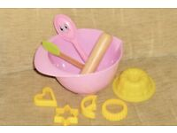 Childs Toy Mixing Bowl / Baking Set with Jelly Mould, Cutters, Rolling Pin, Spoon & Spatula, Histon