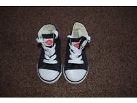 Children's Brand New Lee Cooper Trainers (Size 5)