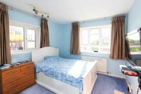 DOUBLE ROOM in Golders Green
