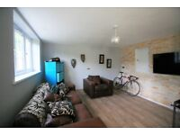 FOREST CLOSE E11 - modern basement flat in Wanstead, approximately 5 minutes from the central line