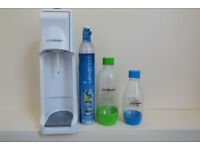 Soda Stream with 2 bottles and 2 gas cylinders included