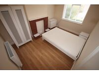 Double room in professional house share- Bills Inc