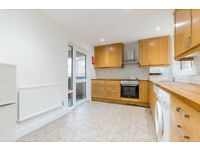 NEWLY REFURBISHED 4 DOUBLE BEDROOM APARTMENT MOMENTS FROM CAMDEN TUBE & A SHORT WALK TO KINGS CROSS