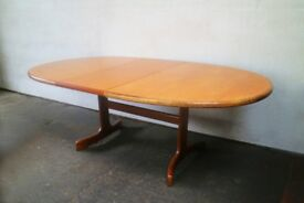 English 1970's mid century extending dining table by G Plan