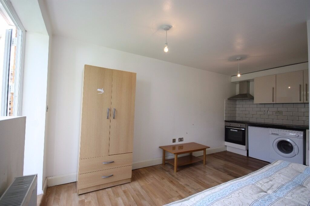 All Bills Included, Newly Refurbished Studio Flat, W12 Minutes Walk From Central Line Station