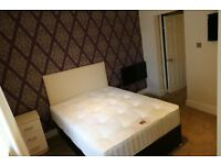 A Large Double en-suite room. £575 pcm