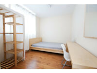 Beautiful double bedroom available in September! Great for students! Call now to book a viewing!